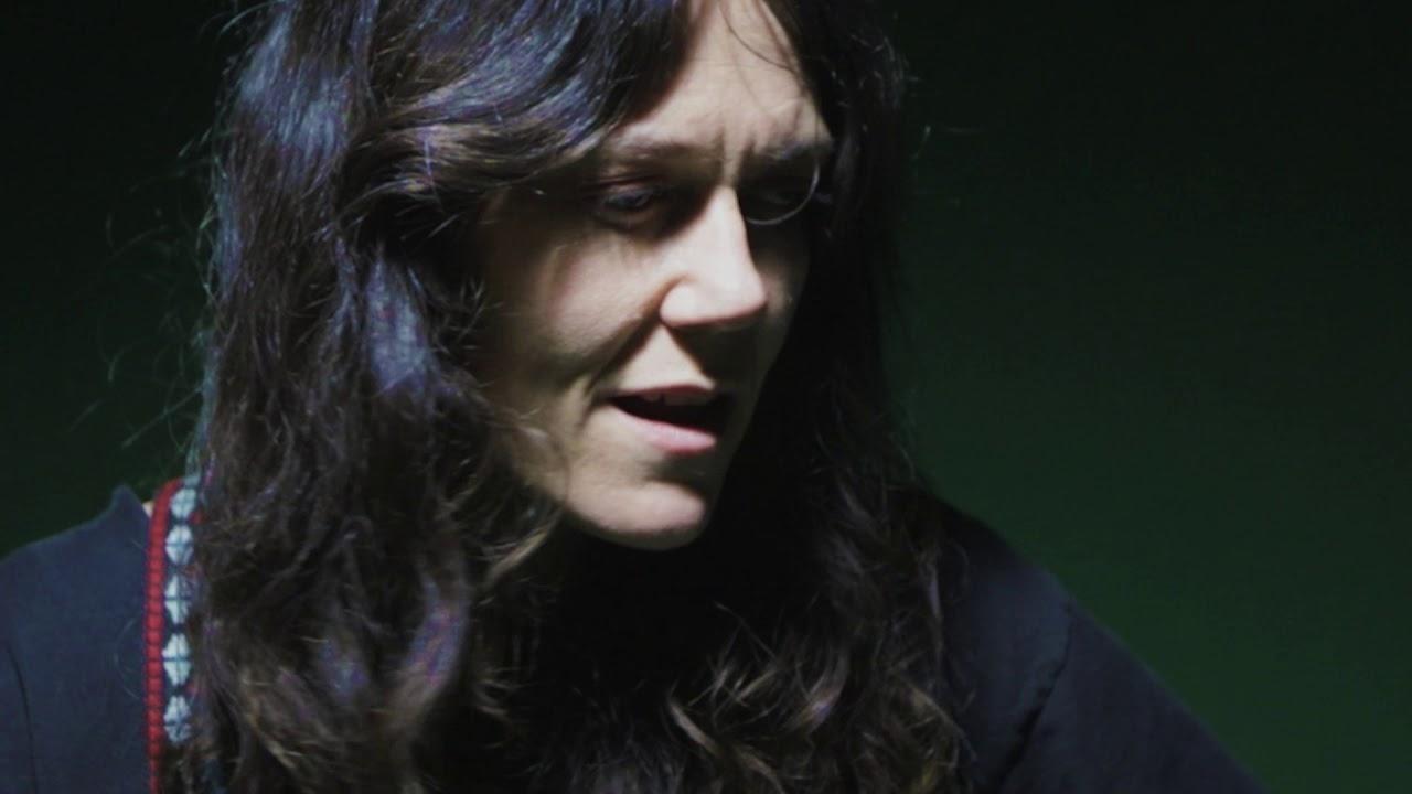 lilly hiatt all music -un escape de ensueño en el nuevo álbum - LO + MUSICA