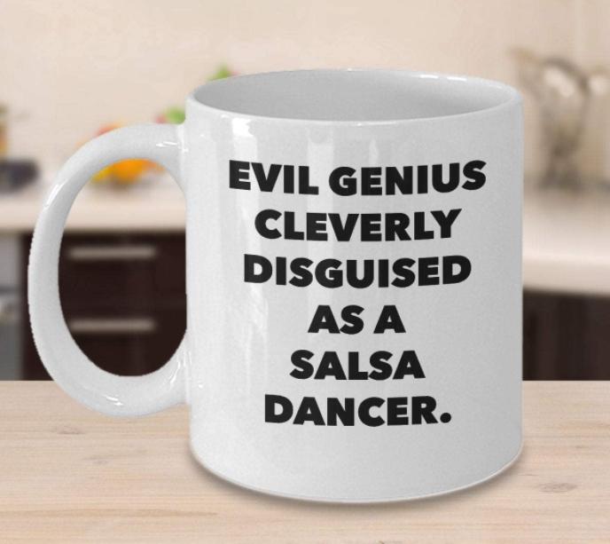 Divertida taza de café de bailarina de salsa